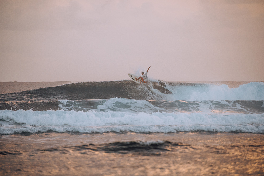Siagrao P006 Beautiful Destinations surfing