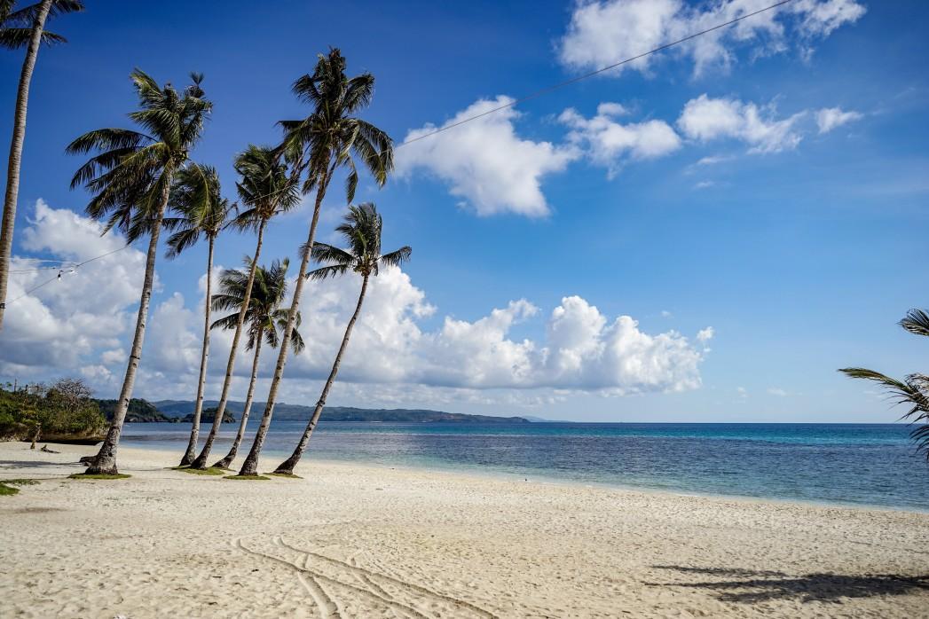 puka-beach-on-the-boracay_t20_bxEdZp